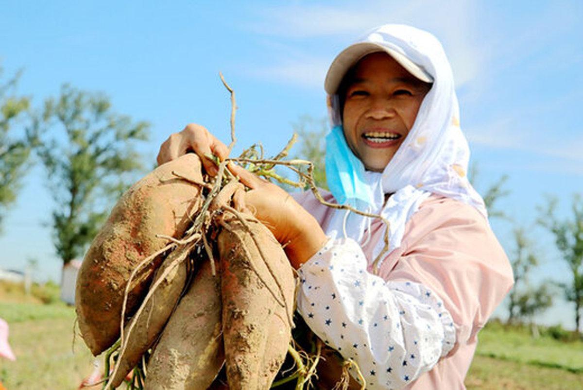 چین در اجرای کمپین بیسابقه فقرزدایی تسلیم کرونا نشد