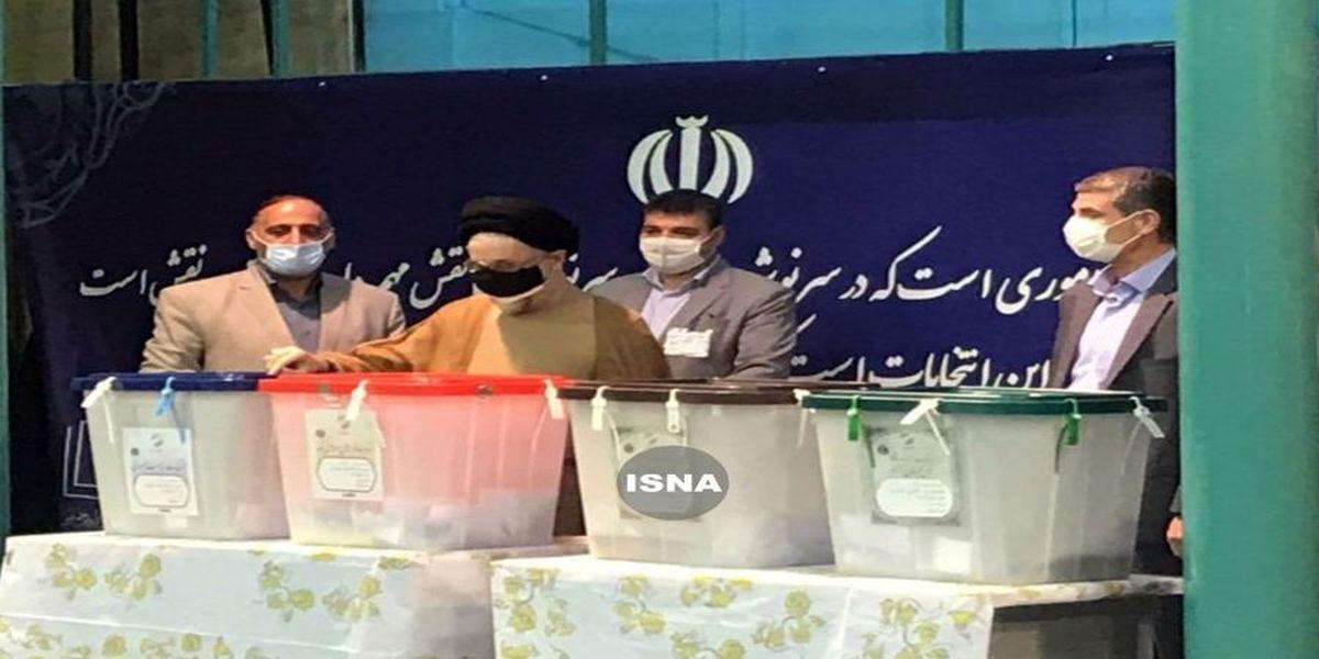 سیدمحمد خاتمی رای خود را به صندوق انداخت