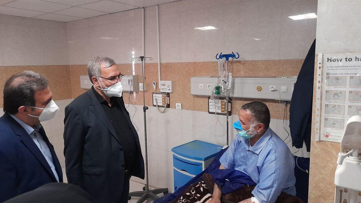 وزیر بهداشت:تمام جامعه هدف کشور تا دههفجر امسال واکسینه میشوند