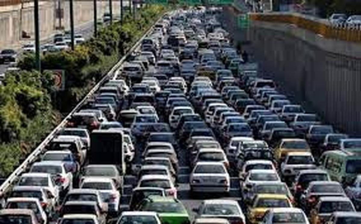 ترافیک سنگین در محور چالوس  |  مصوبه ای که چندان جدی گرفته نشد