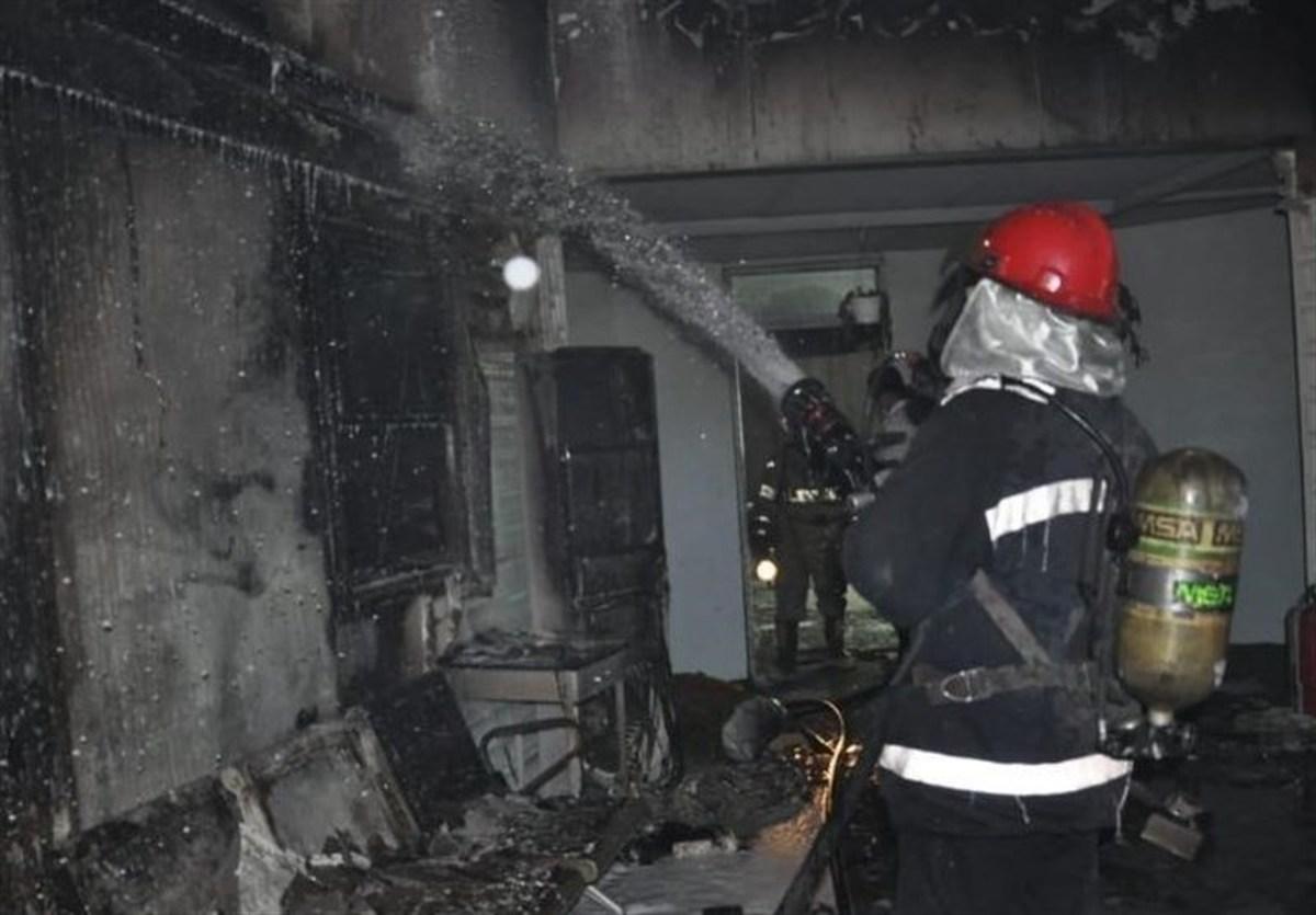 آتش سوزی یک کارخانه مواد غذایی+جزئیات