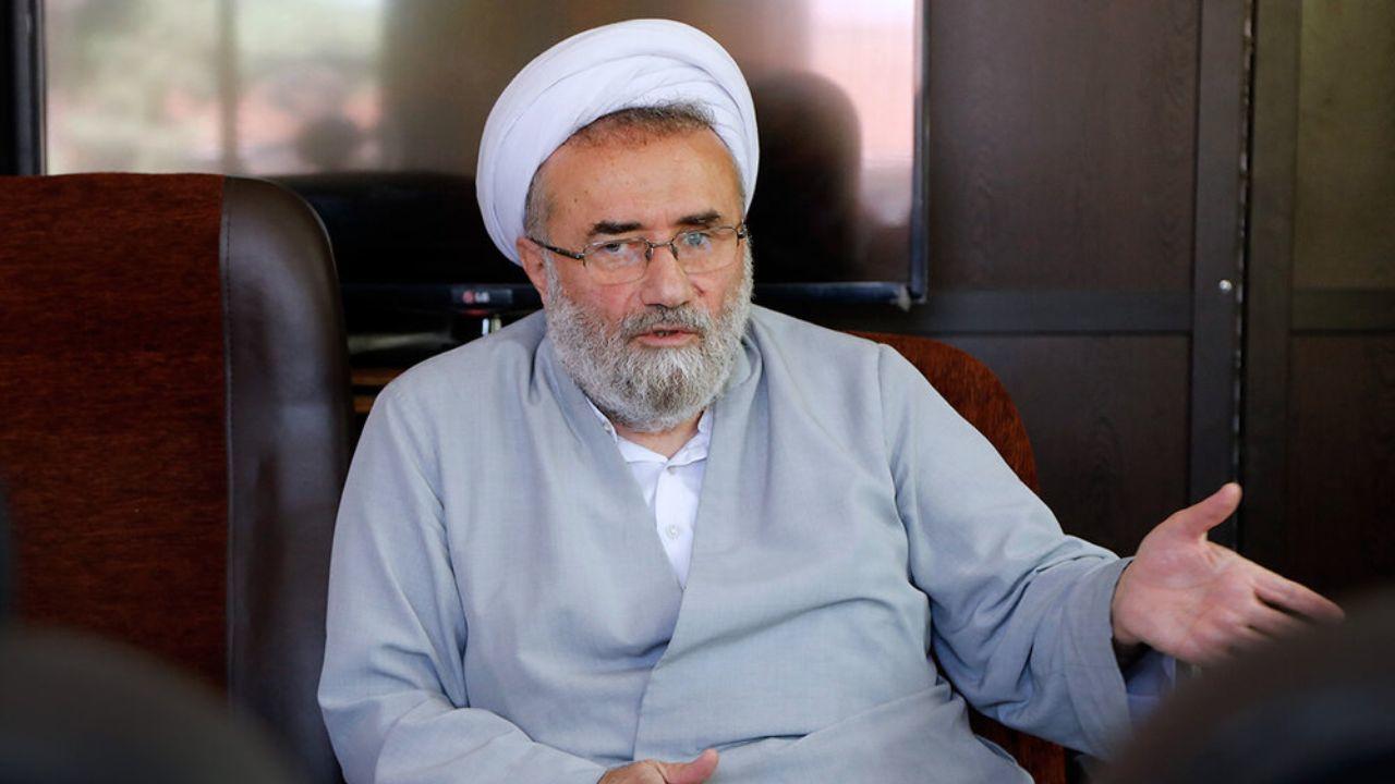 حمله کیهان به مسیح مهاجری به خاطر مخالفت او با رییس جمهور شدن روحانیون و نظامیان: امثال او باید عذرخواهی کنند؛ نه اینکه تعیین تکلیف بکنند که چه کسانی نامزد نشوند