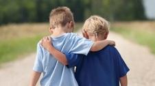 همدلی را به کودکانتان یاد بدهید!