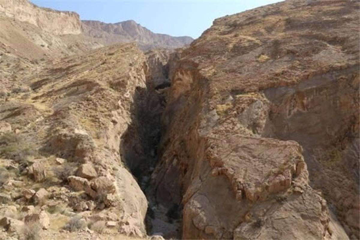 بهرهبرداری از معدن سنگ مرمریت تنگه شیرینه با مخالفت جامعه محلی روبهرو شد